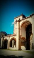 La iglesia de San Vicente de la Maza, se encuentra en Rioseco, muy cerca  de la Posada Fernanda. Es un claro ejemplo  del renacentismo.